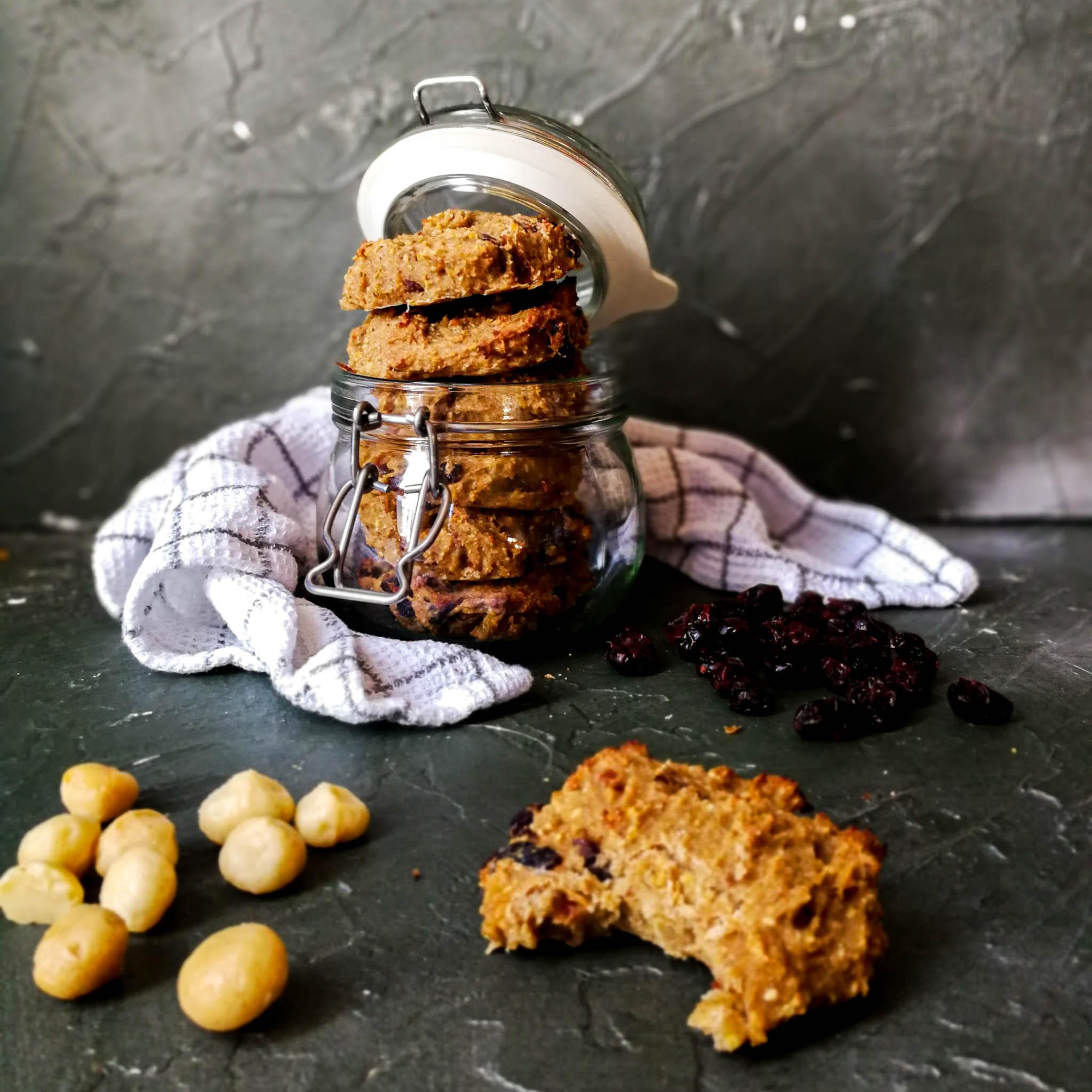 Gezonde koeken met banaan, cranberries en macadamia's