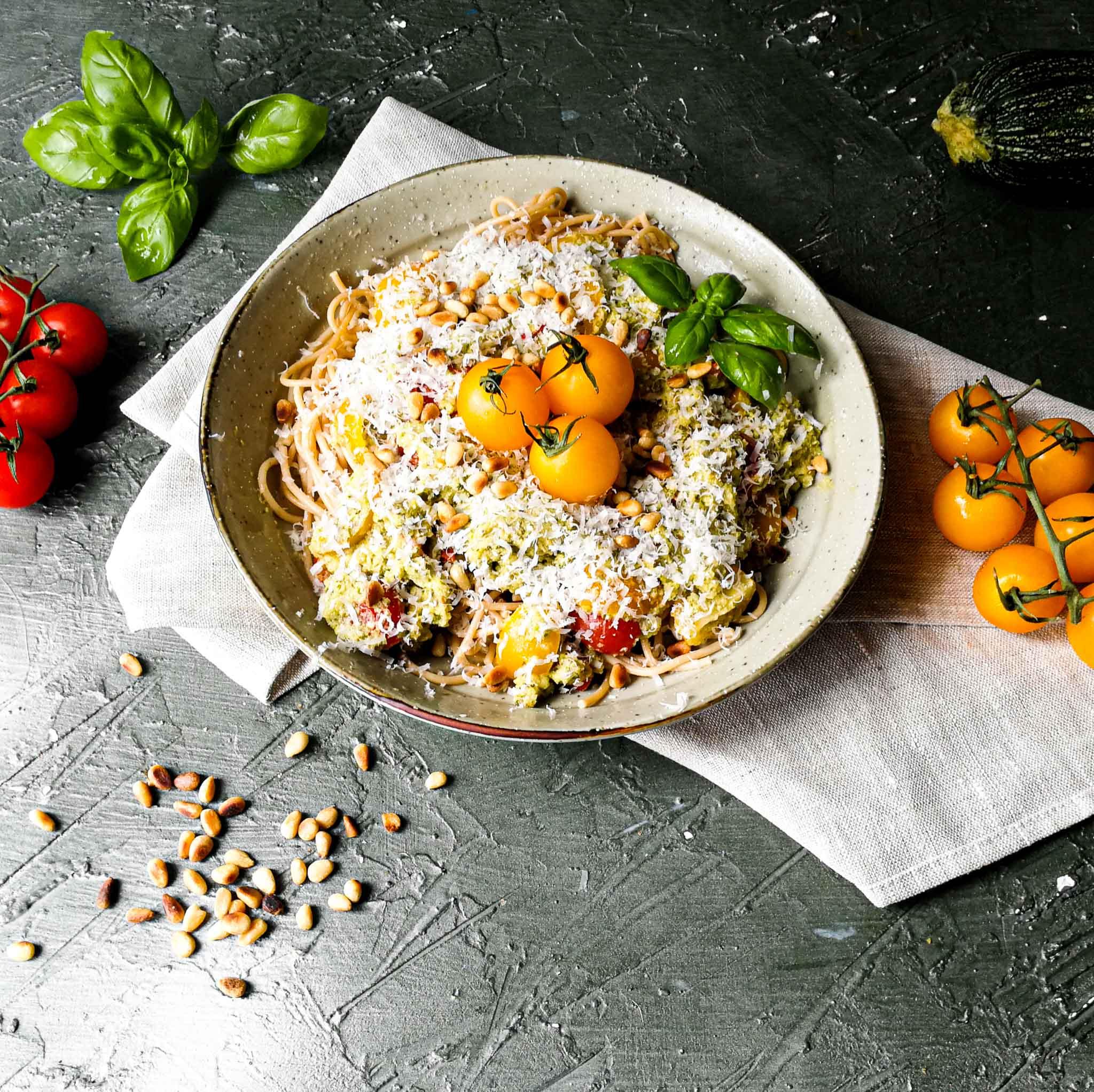 Spaghetti met courgettesaus en cherrytomaatjes