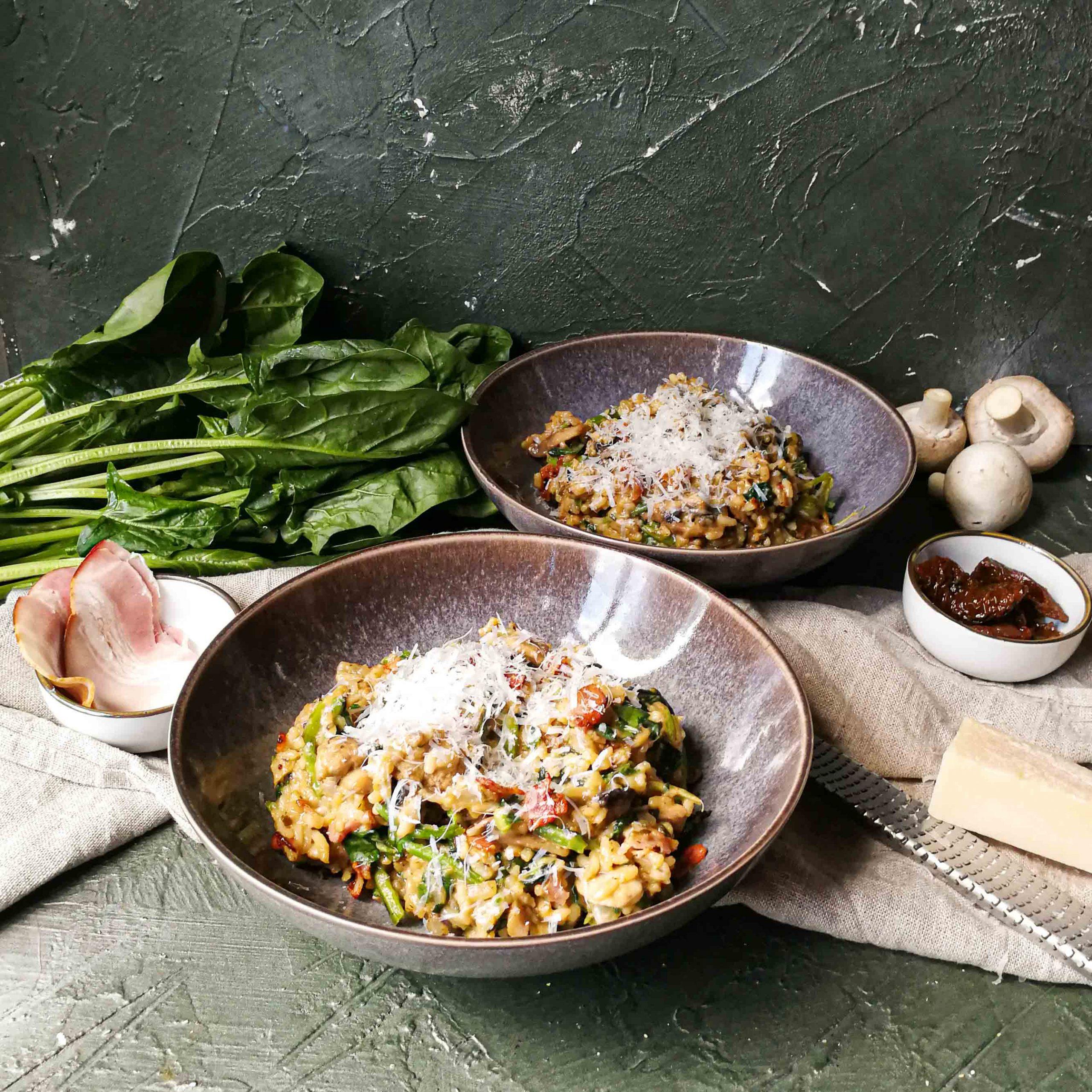 Kruidige risotto met champignons en spinazie