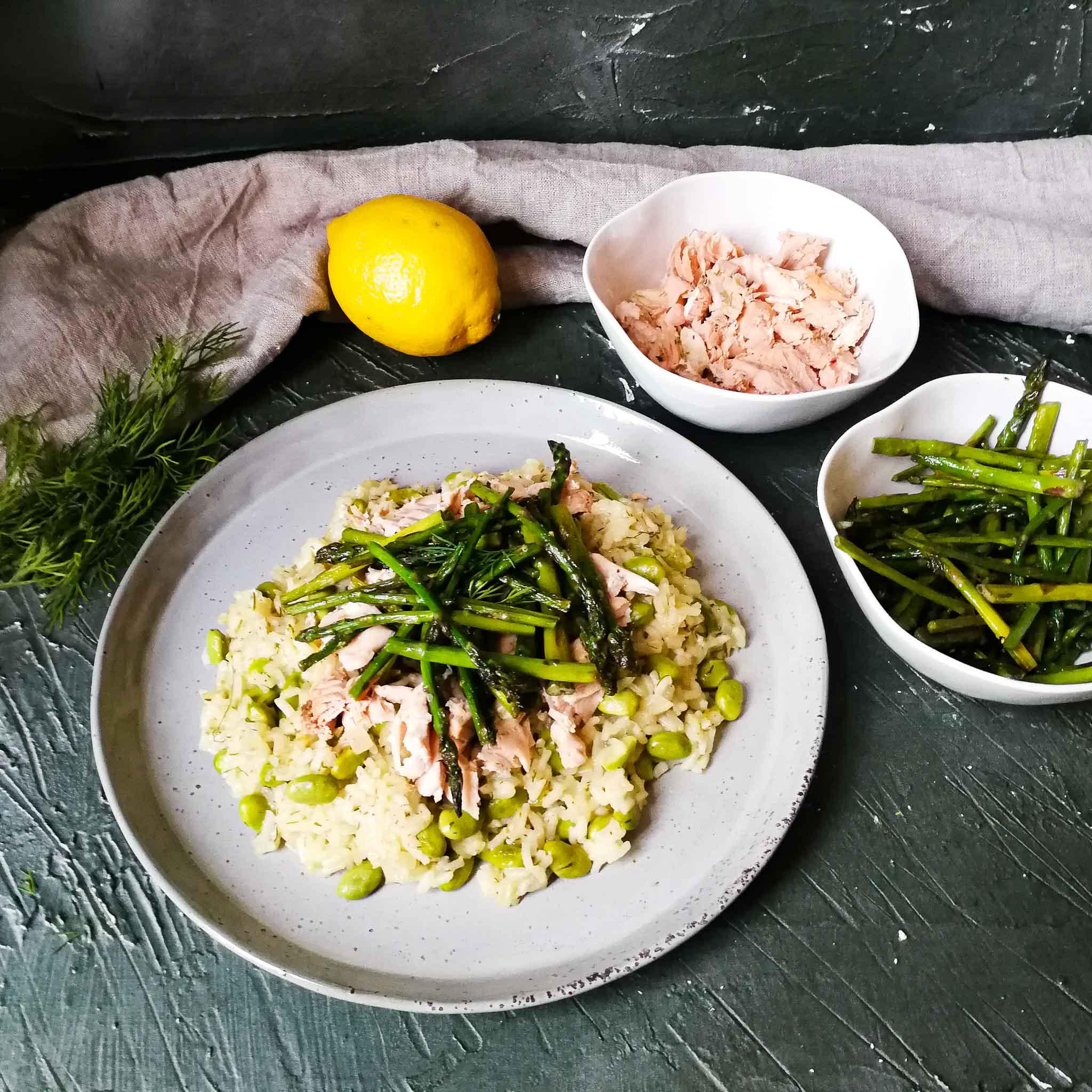 Risotto met zalm, groene asperges en edamameboontjes
